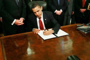 obama-signing-executive-orders